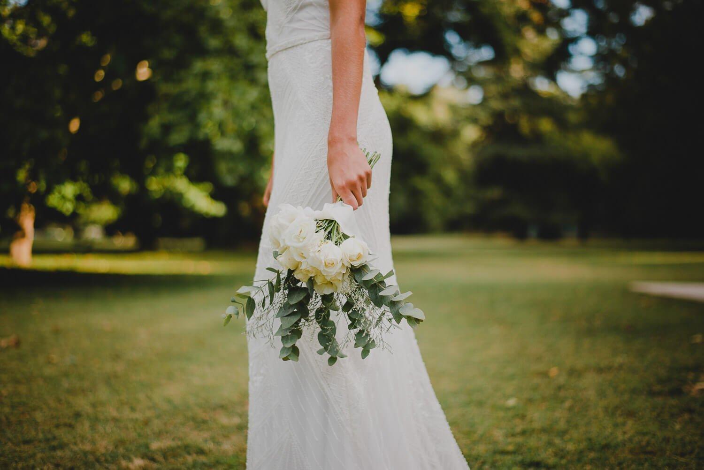 vestido-de-novia-detalles-ramo